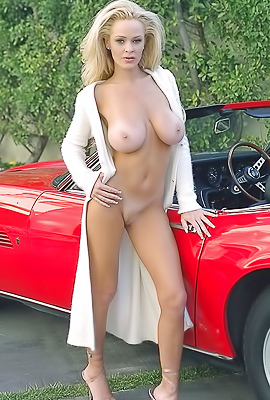 Blonde cougar Shay Selway pose naked in classy car